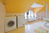 Waschmaschine/Trockner im Bad